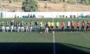 Saludo inicial entre los equipos | CF Arroyo