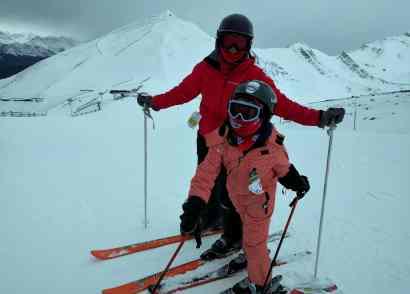 5 reasons to ski lake louise