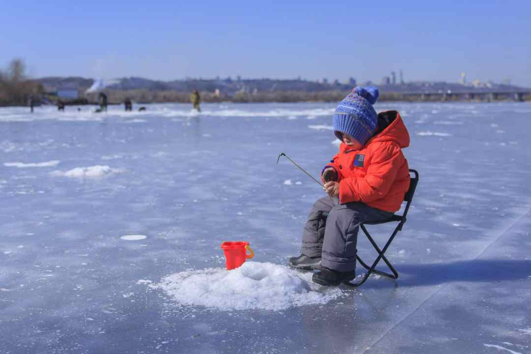 FREE Fishing All Weekend Long Across Alberta Feb 15th-17th