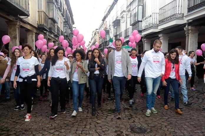 Marcha y globos contra el cáncer en Alcalá