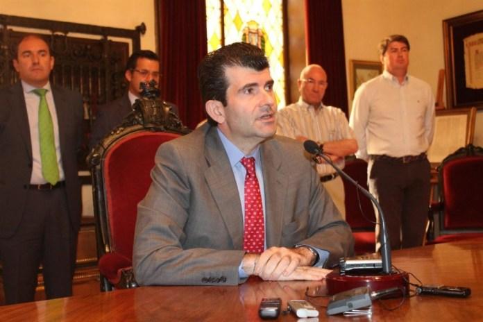 El exalcalde de Alcalá de Henares y diputado autonómico del PP, Bartolomé González. - Foto Ep