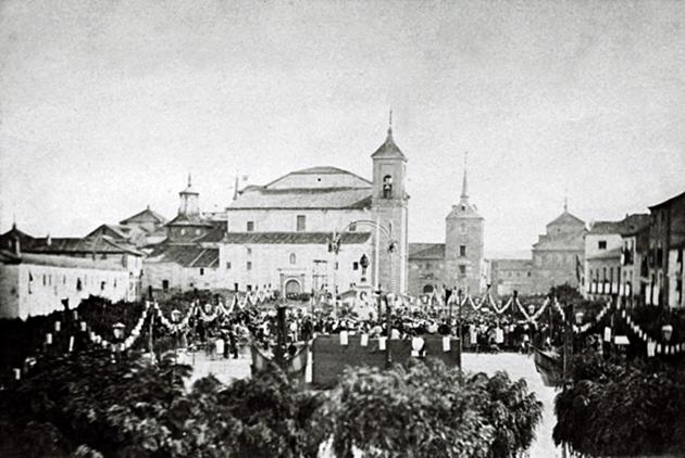 """""""Inauguración del monumento a Cervantes. 9 octubre 1879. Foto: Casto Ortega. Colección Sánchez Moltó"""""""