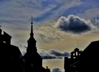 Atardecer de mayo en la ciudad patrimonio