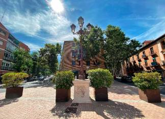 La Plaza de Puerta de Mártires se ajardina