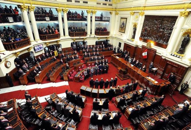 """Perú, entre """"Golpe de Estado"""" y la demanda de su 13ª Asamblea Constituyente"""