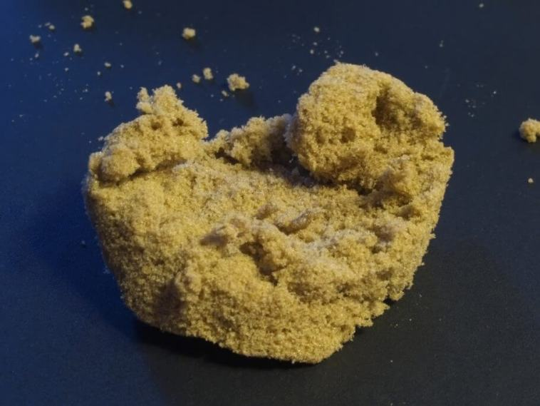 Good quality kief sticks to your hand to the lightest touch
