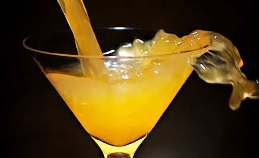 Мандарин ликері бар коктейль