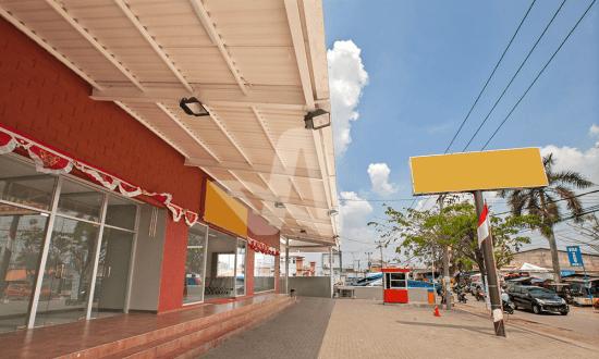 Alderon aplikasi proyek pada atap supermarket
