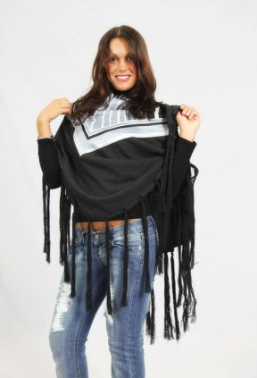 Sciarpa pura lana con frange e foulard