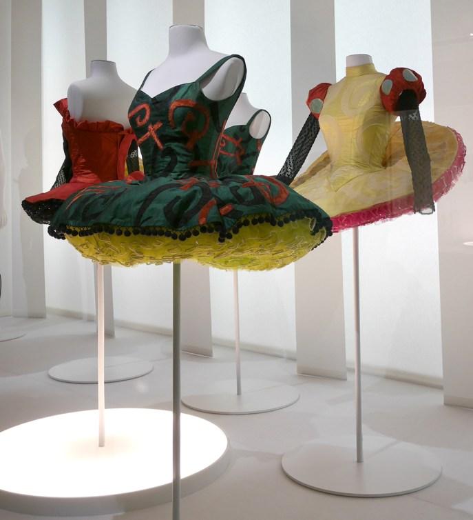 """Exposition """"Couturiers de la danse"""" au CNCS"""