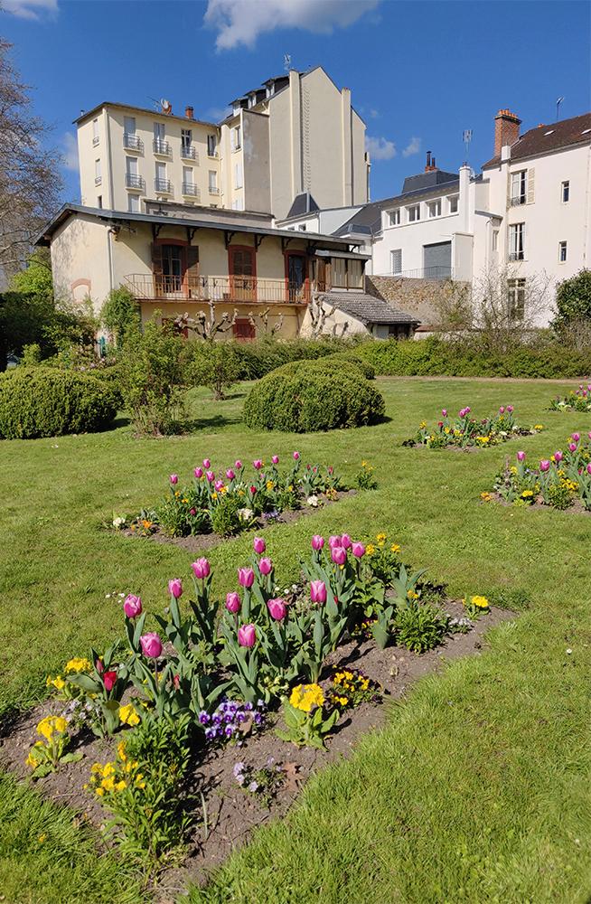 Vichy ville fleurie est si belle au printemps