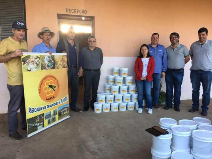 Programa de apicultura beneficia entidades assistenciais de Alegrete