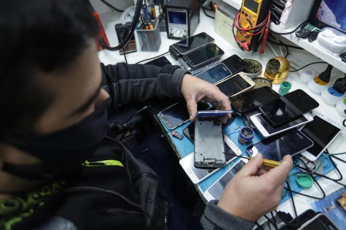 Ministério Público do RS vai restaurar e entregar celulares apreendidos em penitenciária a alunos da rede pública