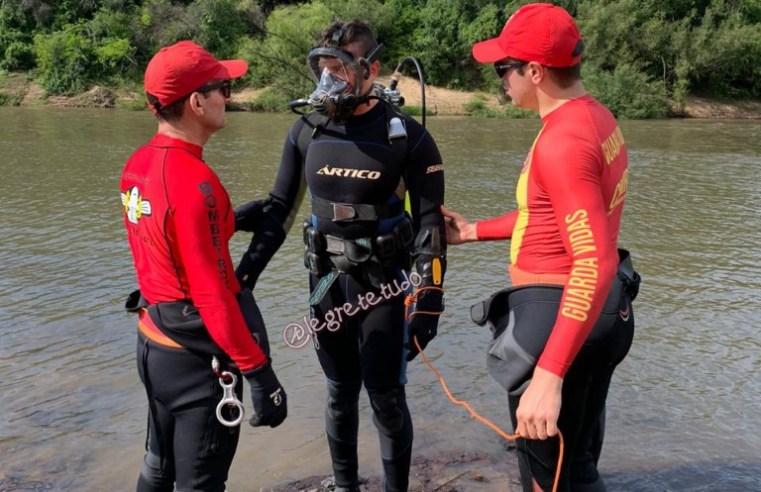 Bombeiros mergulhadores localizam corpo de militar desaparecido no Ibirapuitã