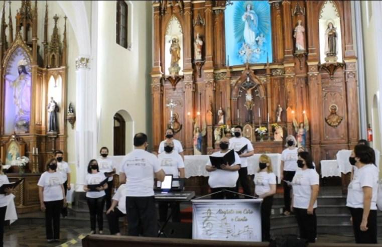 Associação Coral Alegrete canta para homenagear o aniversário da cidade