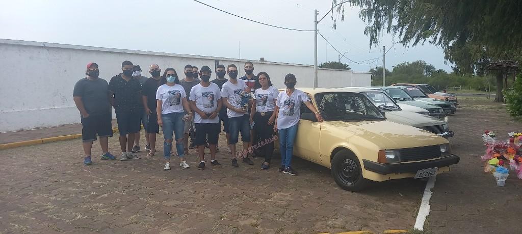 Clube do Chevette e familiares realizam comovente homenagem ao taxista Tiago Martins, morto há dois anos num latrocínio