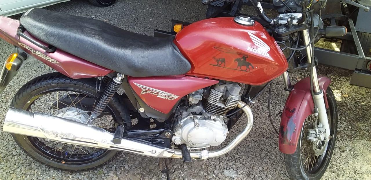 Moto é furtada em pátio de casa no bairro Doutor Romário