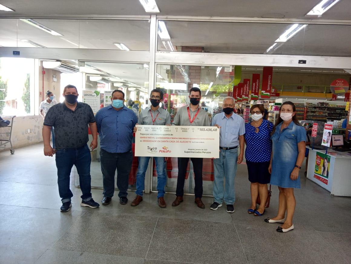 Peruzzo presta conta do Troco Solidário e doa 10 mil à Santa Casa para novo tomógrafo