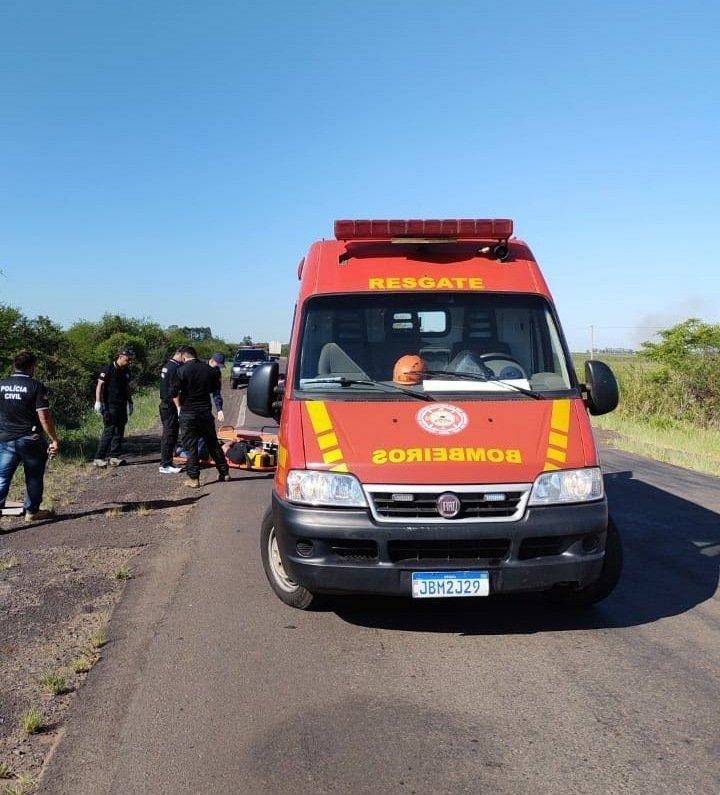 Policiais de São Borja e Santiago se deparam com acidente e salvam homem na BR 472