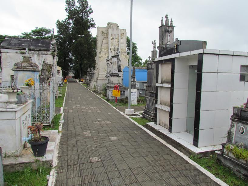 Prefeitura convoca responsáveis por campas vencidas no Cemitério Municipal