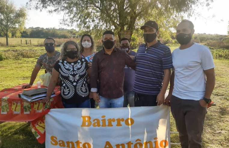 Na Olaria, Leandro Dias toma posse com presidente do Bairro Santo Antônio