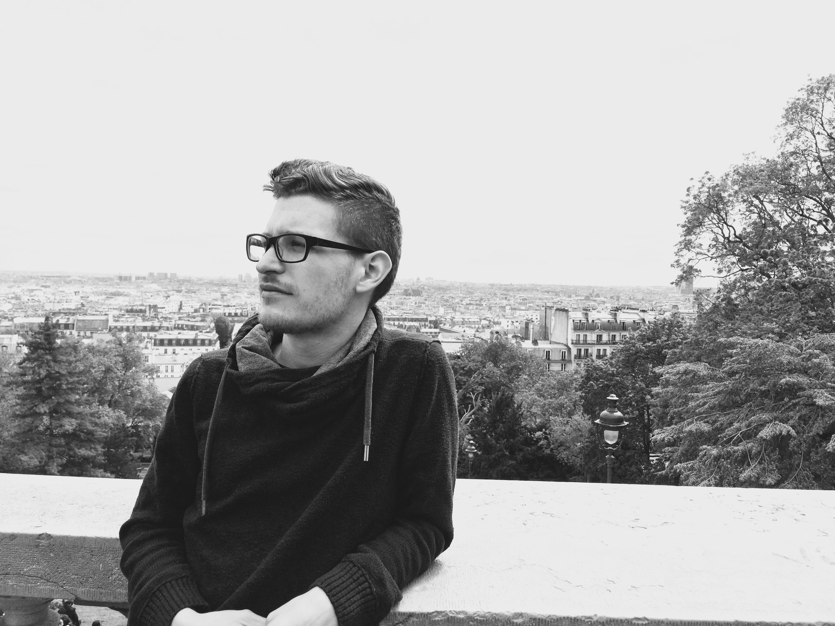 German in Paris Montmartre