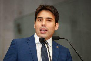 COLEGIADO - João Paulo Costa propôs a criação de uma Comissão Especial na Alepe para discutir as consequências do desastre ambiental. Foto:Roberto Soares