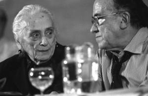 Santiago Carrillo junto a Dolores Ibárruri, La Pasionaria.
