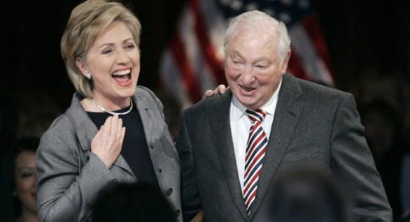 Hillary Clinton y George Soros.