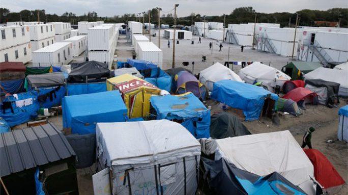 Tiendas y refugios improvisados en el campamento de Calais