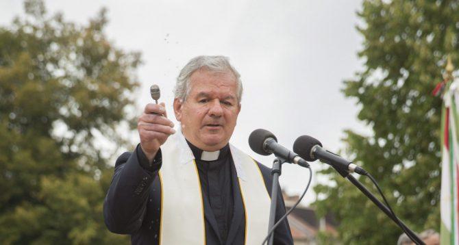 El obispo húngaro Laszlo Kiss-Rigo