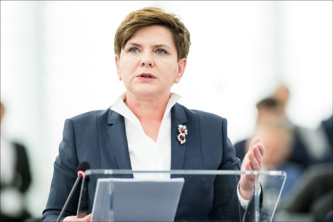 En un discurso del 24 de marzo, la primera ministra polaca, Beata Szydło, dijo que su país no sería sometido a chantaje por los funcionarios de la UE: