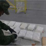 Ejército asegura 12 Kg de 'Cristal' en Aeropuerto de Querétaro