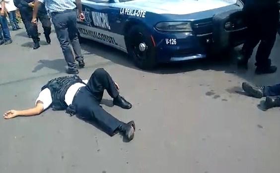Matan a 4 policías durante intento de robo a oficinas del PRI en Neza