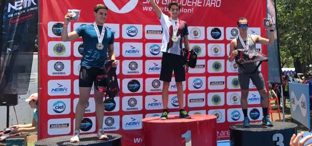 Queretanos ganan el 1,2,3 en prueba de triatlón