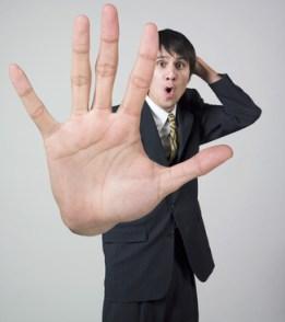 Entrevue d'embauche | Une fois rendu à l'étape inaccessible de l'entrevue, quelles sont les façons immanquables de faire mauvaise impression ?