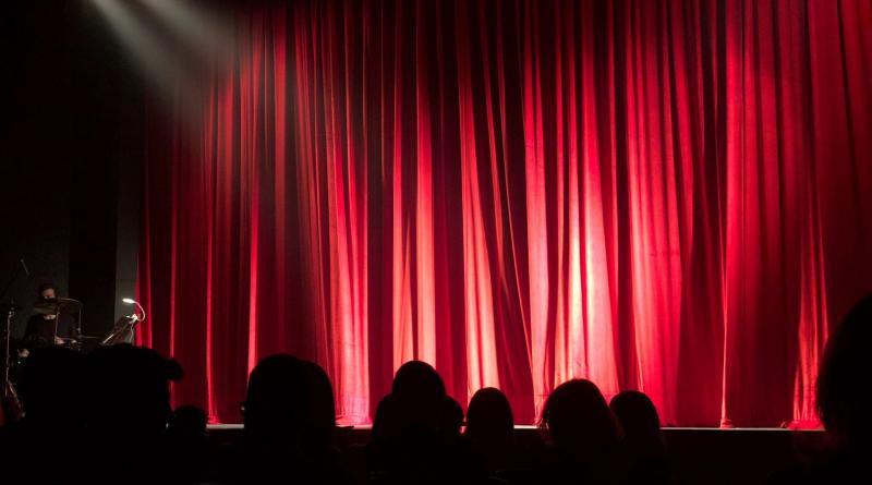 lo speaker sei pronto a salire sul palco