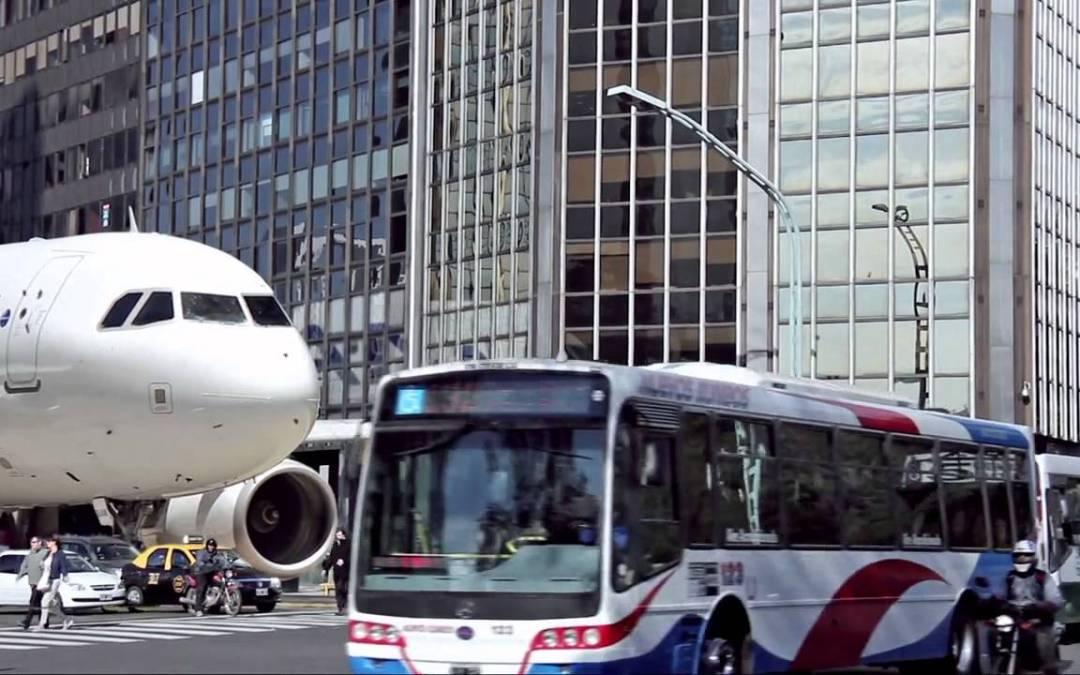 Boeing 747 na cidade