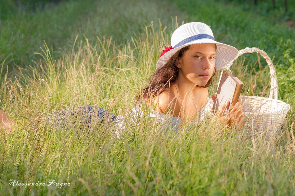 ritratto fotografico di ragazza nella natura