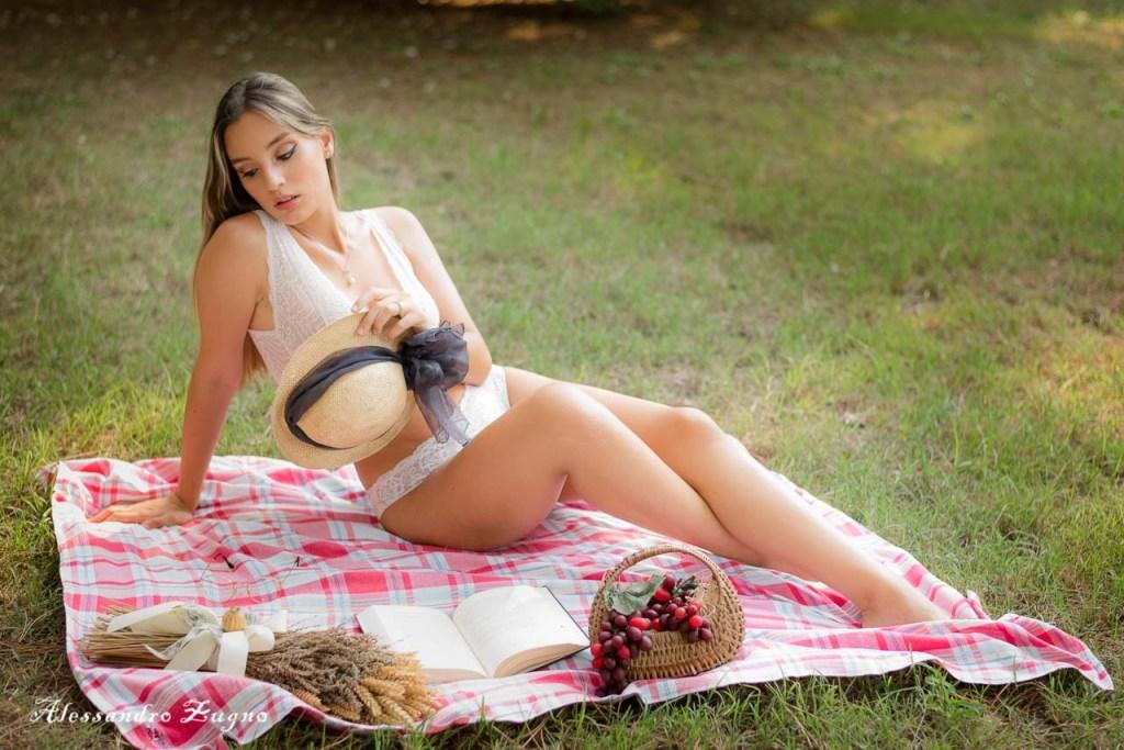 foto boudoir di ragazza a Jesolo Pineta