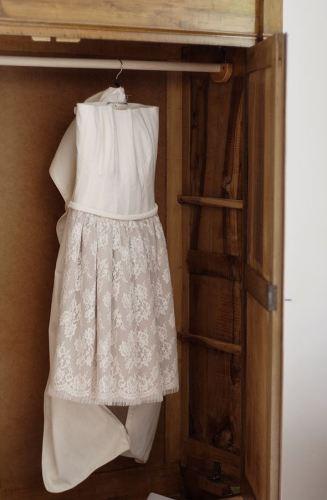 abito da sposa corto in pizzo