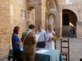 Wedding at the San Gimingnano Town hall