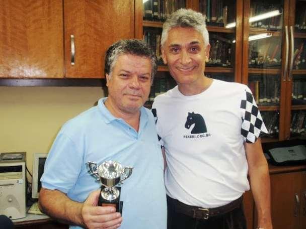 O vice-Campeão Sérgio Murilo ao lado de Alberto Mascarenhas, Presidente da Federação