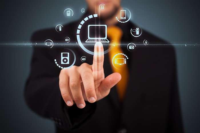 Fotolia 35451096 - Businessman pressing virtual media type of buttons