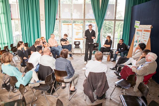 """Foto: Heinrich Böll Stiftung - Potsdamer Modellprojekt """"Strukturierte Bürgerbeteiligung"""" mit Kay Uwe Kärsten auf Flickr. Verwendung unter den Bedingungen der Creative Commons (BY-SA)."""