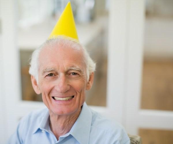 Впервые на пенсии люди живут дольше, чем заняли их рабочие годы. И если вы долгожитель, я вас поздравляю. А вы готовы к финансовым проблемам, связанным с долголетием?