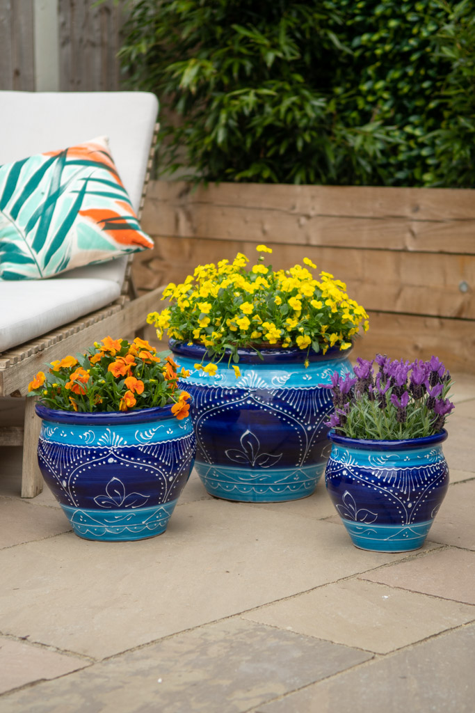 Product photo of a set of three large planters