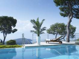 Contemporary elegant furniture in Villefranche sur Mer