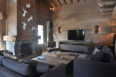 Functioning fireplace, satellite television and Apple TV
