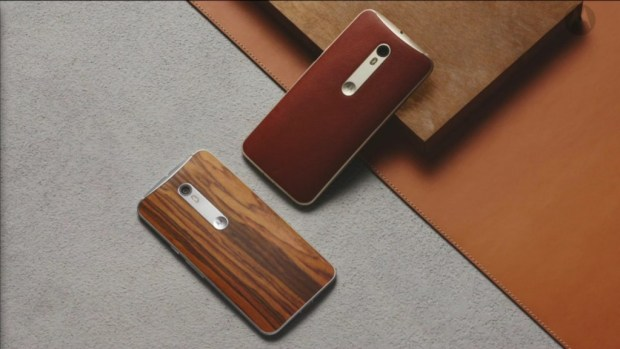 Moto X Style in wood finishes